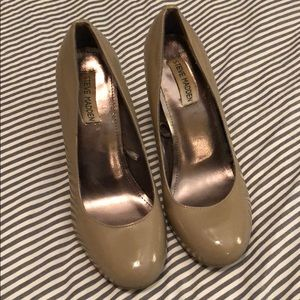Steve Madden nude patent, stacked heels, sz. 8